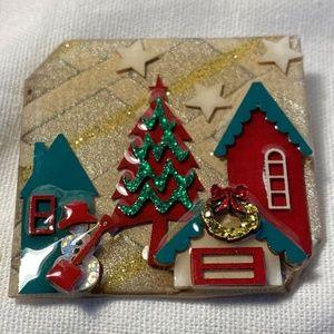 Vintage Lucinda House Pin Christmas Scene w/Stars